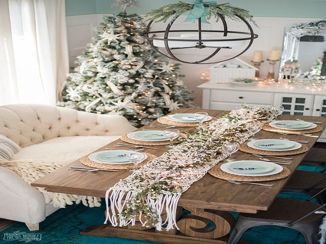 Holiday Dining Room Table Centerpieces