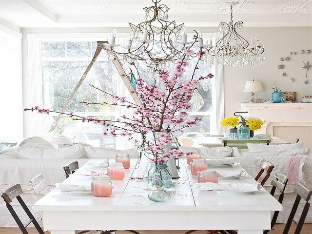 Chic Dining Room Table Centerpieces