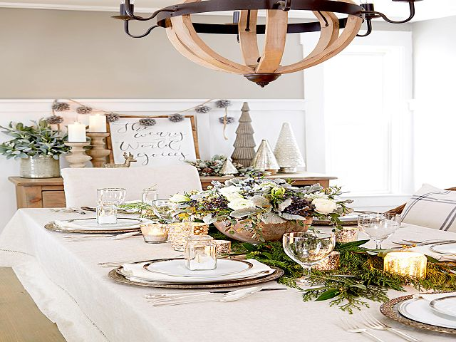 Dining Room Table Decorations For Christmas