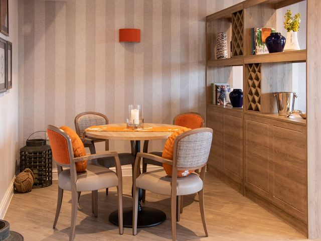Nursing Home Dining Room Tables And Chairs